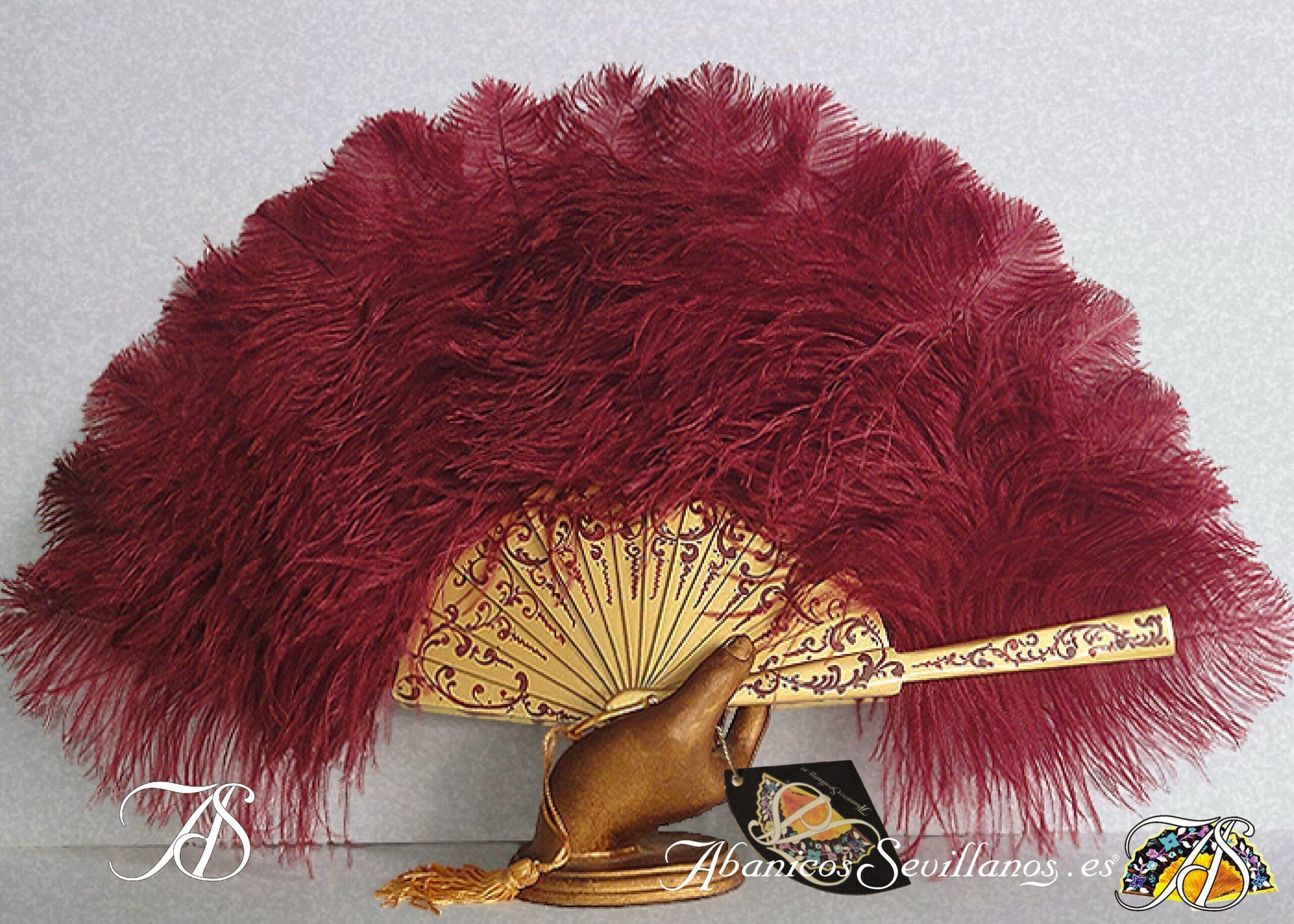 Abanico de madera y plumas de avestruz